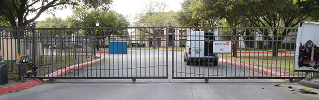 Commercial locksmith Driveway Gate and Gate Operator image